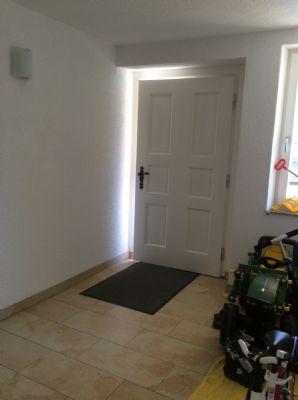 Die Haustüre und der geräumige Eingangsbereich
