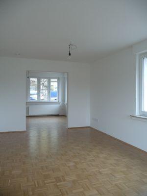 Blick vom Wohnzimmer zum Esszimmer