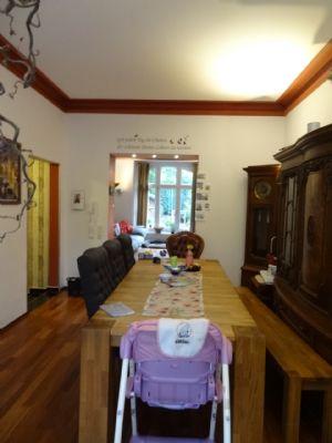 einfamilienhaus mit kamin und garten einfamilienhaus. Black Bedroom Furniture Sets. Home Design Ideas