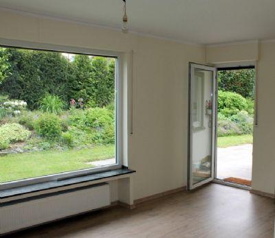 Wohnzimmer mit Terrassenausgang!