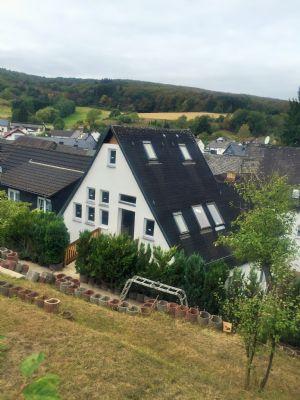 Ausblick vom Grundstück aufs Haus
