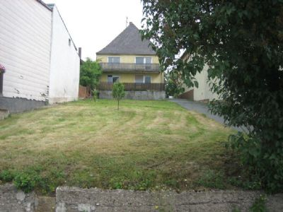 Langezogenes Grundstück mit Neubaupotential
