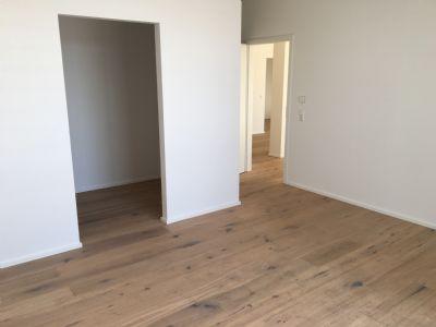 Schlafzimmer mit Ankleide und Badezimmer