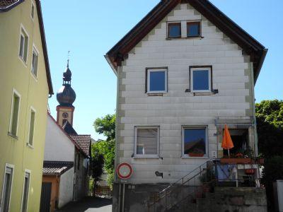Giebelseite mit Eingang (Osten)