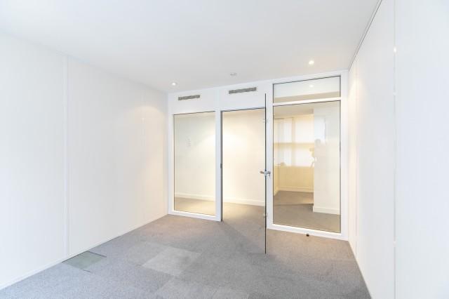 Bureaux au 5ème étage dun bel immeuble de standing bürofläche