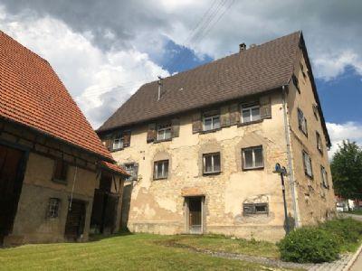 Gebäude mit Denkmalschutz mitten im Dürbheimer Ortskern