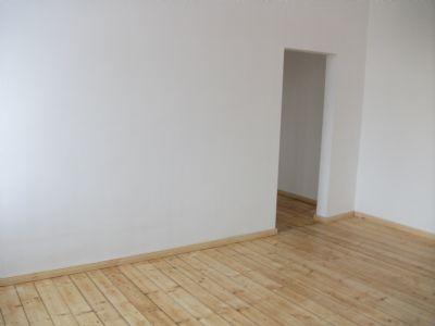Wohnzimmer mit Zugang Arbeitszimmer