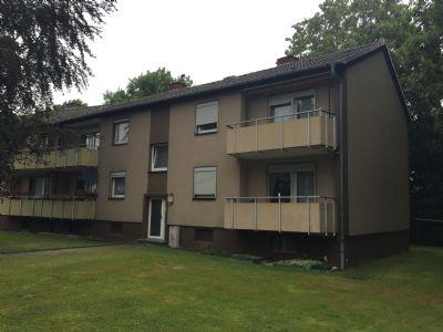 3 zimmer wohnung mit balkon in ruhiger gewachsener. Black Bedroom Furniture Sets. Home Design Ideas