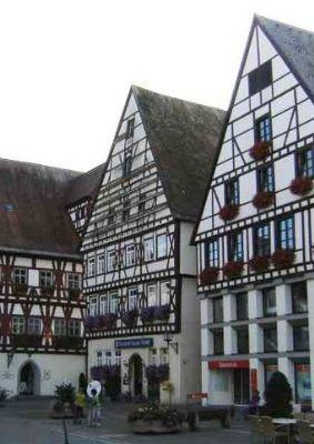 Die Krone von Oettingen - direkt beim Rathaus