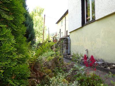 Hinterm Haus, Weg zu Terrasse