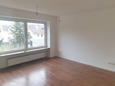 Langen - Wohnung mit Balkon im 1. Obergeschoss