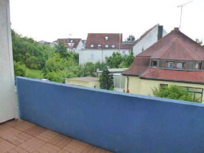 renovierte 2 5 zimmerwohnung mit balkon im 1 stock 50 qm. Black Bedroom Furniture Sets. Home Design Ideas