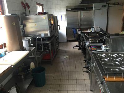 Küche mit 4er & 6er Gasherd,2GN Bainmarie