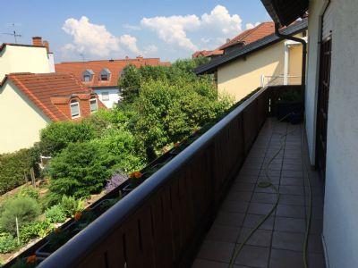 Rund um Balkon