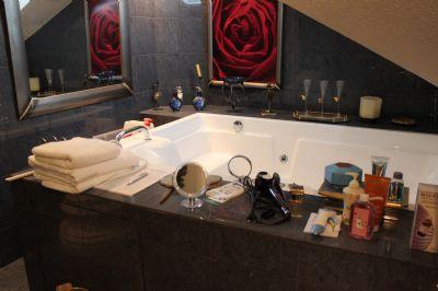Badezimmer Haupthaus Whirlpool
