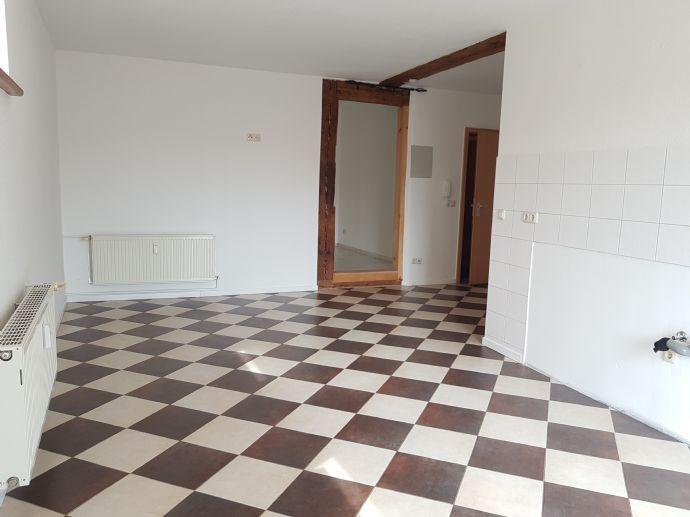 Großes Bad und Küche - elegante 2-Raumwohnung / auch teilmöbliert ...