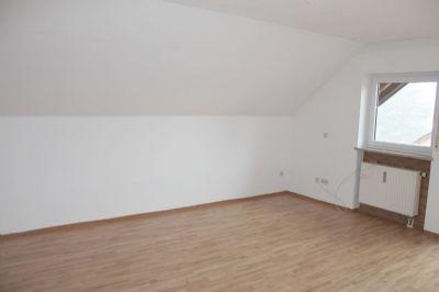 ... ein heller Raum mit viel Platz ...