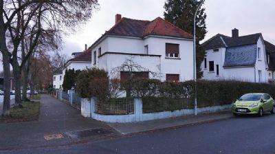 Neu-Isenburg Bestlage: Tolles Haus mit Garten; Erstbezug nach Sanierung