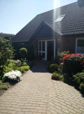 Hoya / Weser: zentral gelegene, schöne renovierte großzügige Wohnung mit Garage