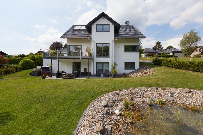 Babelsberg - Exklusives Einfamilienhaus in beeindruckender Hanglage ...