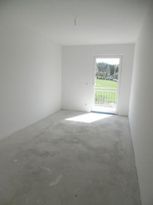 Zimmer OG mit Balkonzutritt