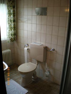 Bad für Zimmer (Beispiel)