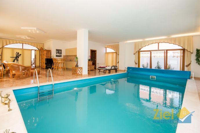 Indoor pool kosten  Zentral gelegene Villa mit Indoor-Pool (ZIEL Immobilien Teneriffa ...