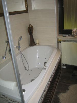 Badewanne mit Wirlpool