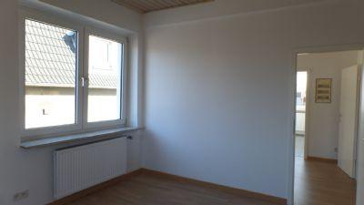 Wohnzimmer/Blick in den Flur