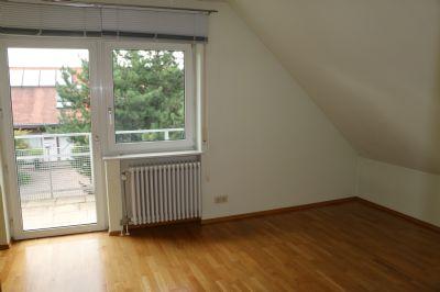 Kinderzimmer mit eigenem Balkon