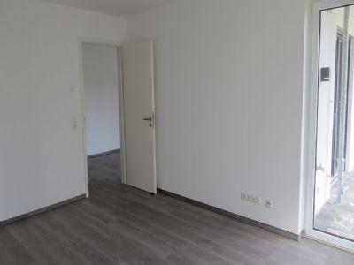 helle und moderne 2 zimmer wohnung mit kleinem eigenem gartenanteil terrassenwohnung buxtehude. Black Bedroom Furniture Sets. Home Design Ideas