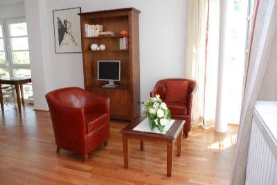 btt serviced apartments m blierte wohnung zimmer wohnen auf zeit in regensburg wohnung. Black Bedroom Furniture Sets. Home Design Ideas