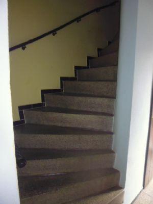 massive pflegearme Treppe etwas steil
