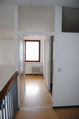 helle b ror ume 100 m in frankfurt bergen enkheim provisionsfrei b rofl che frankfurt am. Black Bedroom Furniture Sets. Home Design Ideas