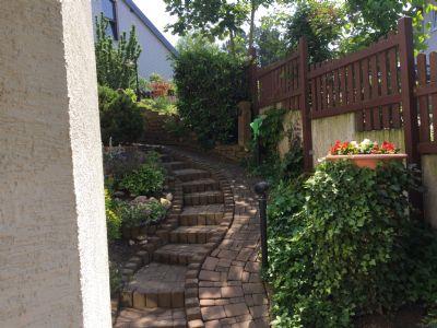 Abgang seitlich zum Garten - Terrasse