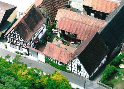 Beeindruckende Hofanlage mit reizendem Innenhof