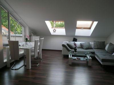 sch ne 2 zimmer dg wohnung mit loggia zu vermieten. Black Bedroom Furniture Sets. Home Design Ideas
