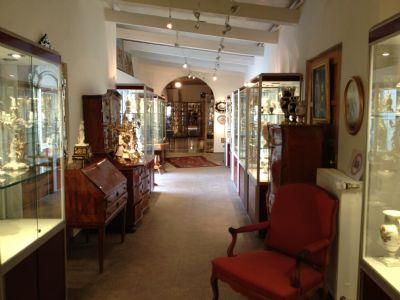 Ausstellungs- und Verkaufsfläche im EG