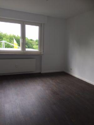 modernisierte eigentumswohnung in bergen wohnung frankfurt 2andz45. Black Bedroom Furniture Sets. Home Design Ideas