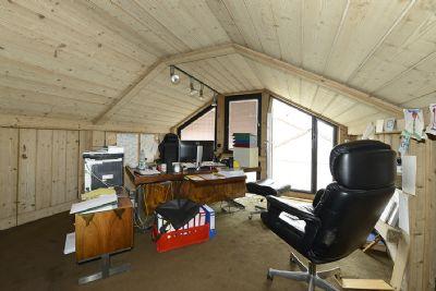 Dachgeschoss, Büro