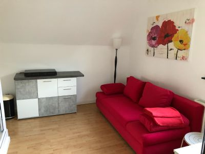 An Wochenendheimfahrer: Frisch renovierte 2 möblierte Zimmer zu vermieten