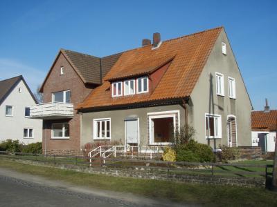 Gepflegtes Mehrfamilienhaus mit 3 Wohneinheiten  im Zentrum von Bruchhausen-Vilsen / Zentraler und ruhiger zugleich geht es nicht!
