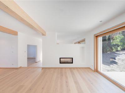 Essbereich mit bodentiefer Fensterfront