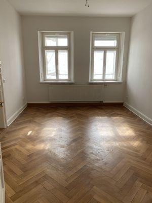 Renovierte 3 Zimmer-Altbauwohnung in Fürth, Schwabacher Straße zu vermieten
