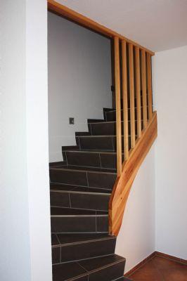 ... hochwertige Treppe ins OG