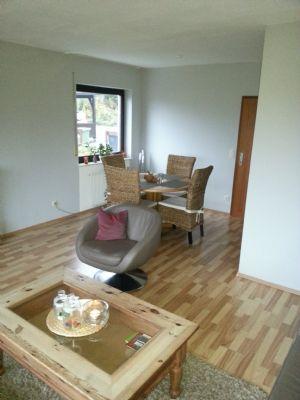 helle barrierefreie 3 zimmerwohnung k che und bad s dbalkon mit fernblick pkw stellpl tze in. Black Bedroom Furniture Sets. Home Design Ideas