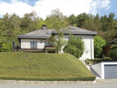 Modernes Wohnen mit traumhaftem Ausblick und Einliegerwohnung!