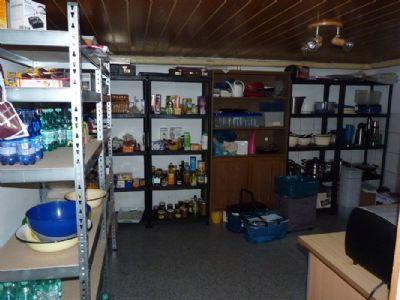 Vorratsraum im Keller