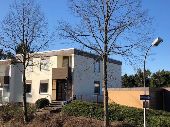 Bild 2 Von 2: Haus Vorderseite
