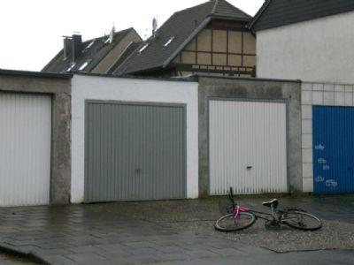 Garage zum Haus